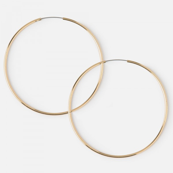 2.5 mm Hoop Earrings made in 18k Yellow Gold